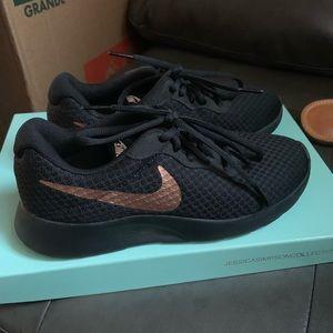 Nike Tanjun Sneakers, great quality!
